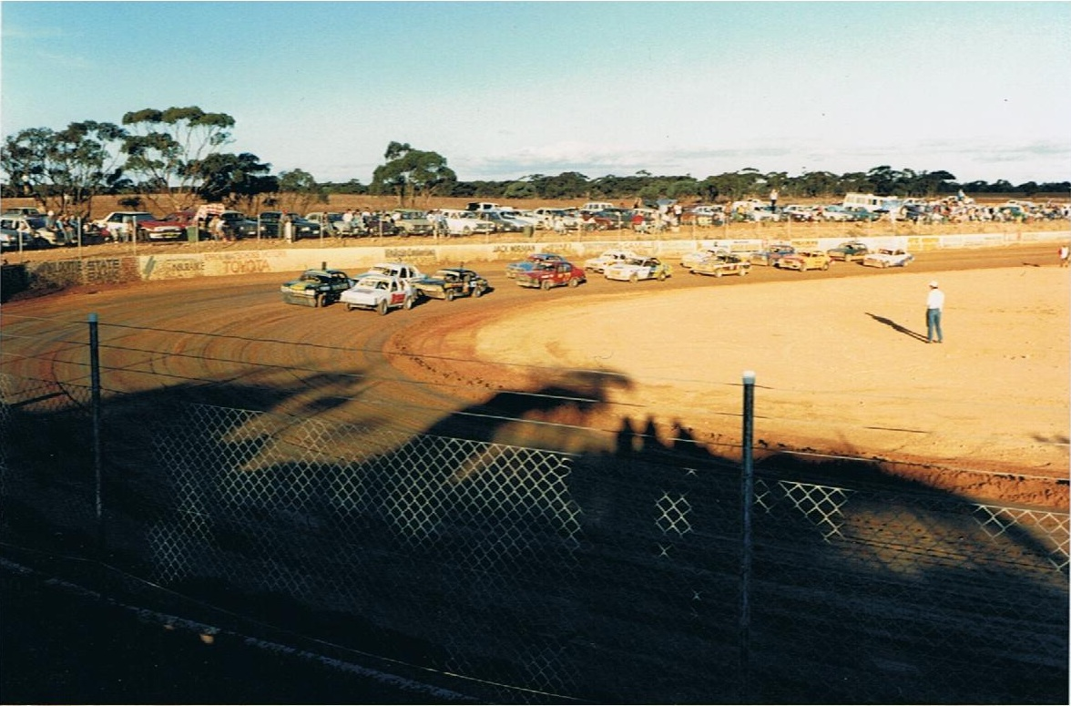 Modified Sedans. Kym Webber on pole