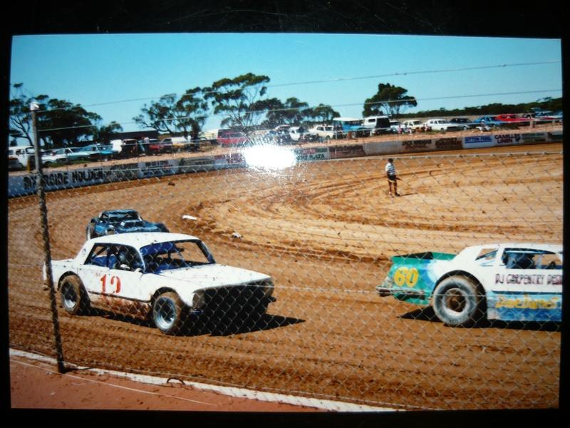 1991 - #60 Dave Bennett, #12 Ron Miaolo, Darren Knowles